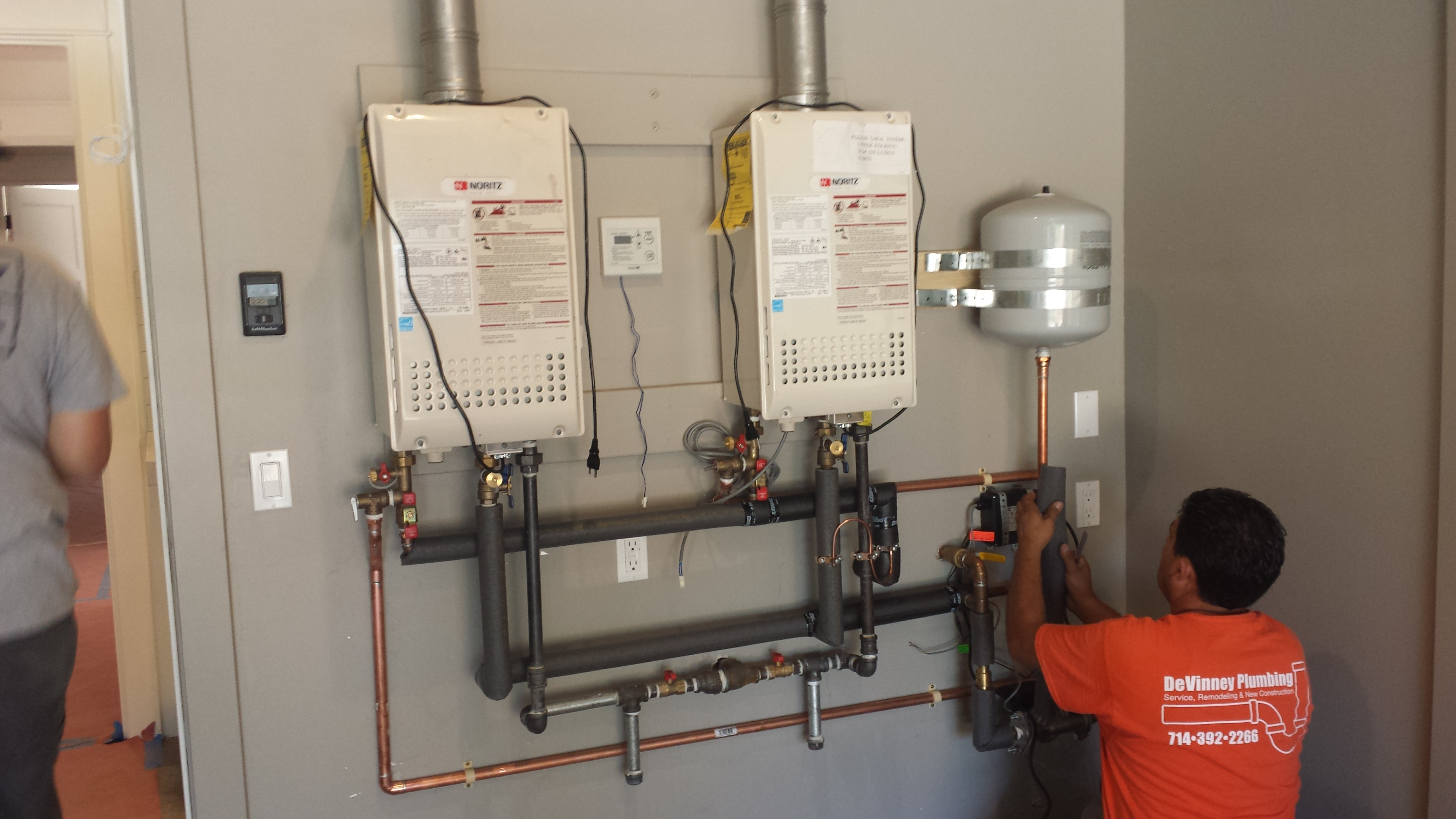Tankless Water Heater Repair and Installation in Huntington Beach CA - DeVinney Plumbing